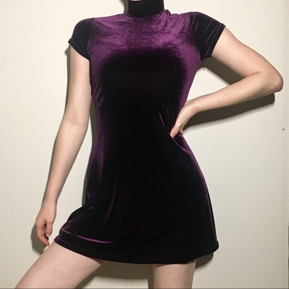 Scarlett Dresses & Skirts - Vintage 90s Velvet Mock-neck Mini Dress 👗